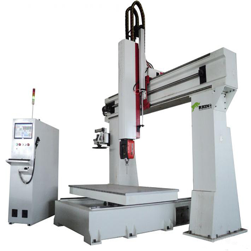 China 5 Axis CNC Machine Center with Syntec Control System Table Moving